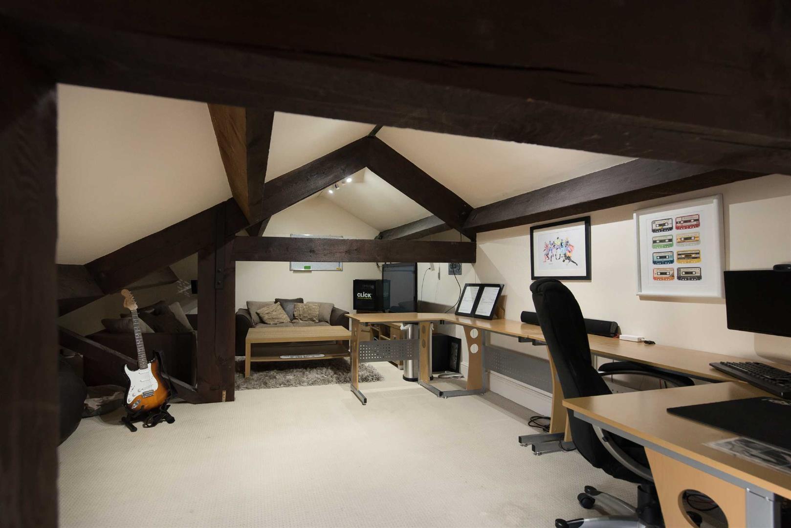5 Bedroom Link Detached House For Sale - Image 19